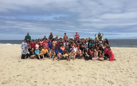 Junior Class Takes a Trip to the Beach