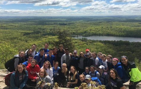 Peer Leaders Experience the Beauty of Nature and Teamwork