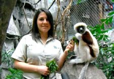Alum Liana Kabrel: Wild Animal Keeper
