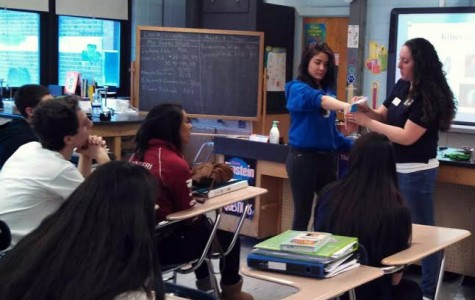 Occupational Therapist In-Training Visits HHS Anatomy and Physiology Classes