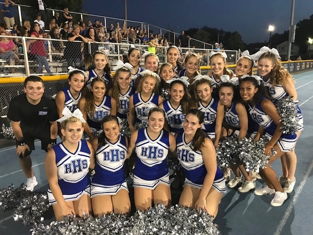 A Better Look into the World of Hawthorne High School Cheerleading