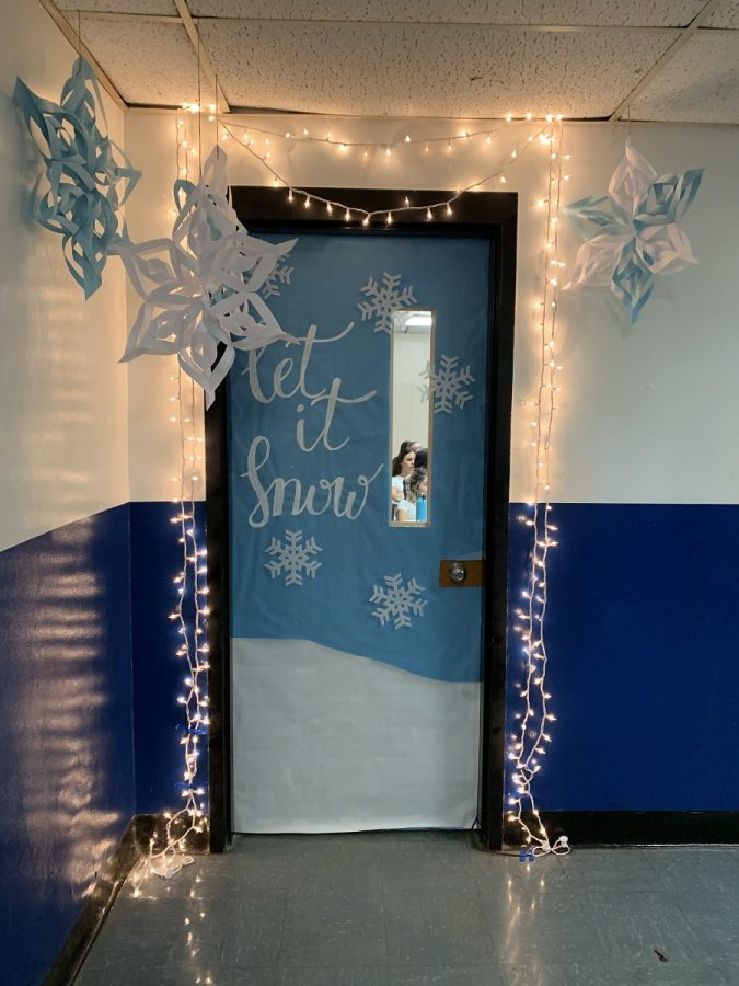 Holiday Spirit Week: Door Decorations