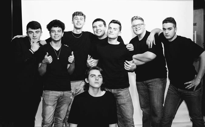Last+Year%27s+Crew