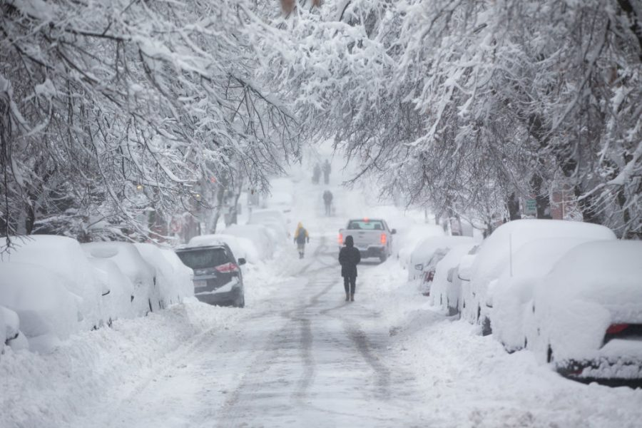 U.S. Struck by Major Snowstorm