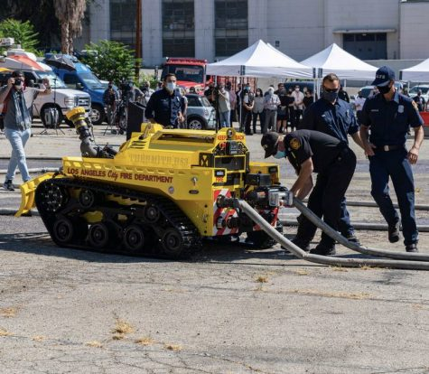 First of Its Kind Firefighting Robot Debuts In the US