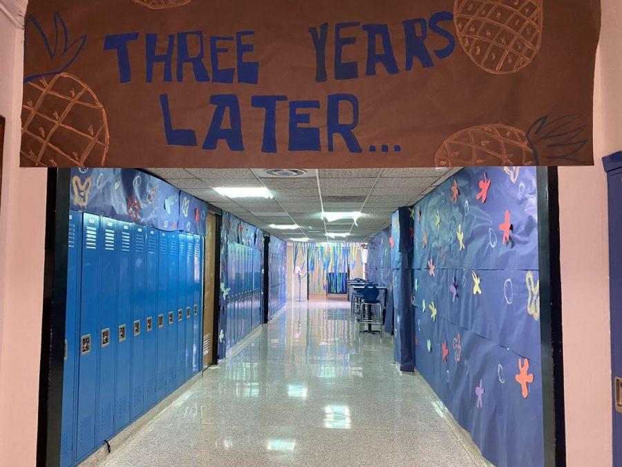 Hall+Decorating%3A+Junior+Hallway